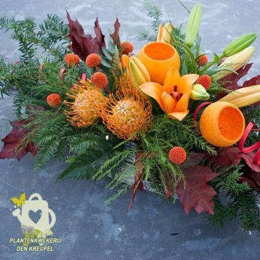 bloemstuk-oranje-en-groen