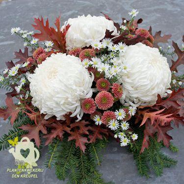 drie-bollen-bloemstuk